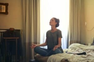 Art-of-Living-Reviews-What-is-Breathing-Meditation